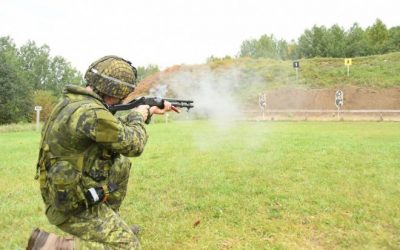 POTD: Canadian Light Infantry Pioneers with Shotguns