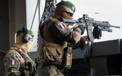POTD: French Foreign Legion at Sea with HK416F and FN Minimi